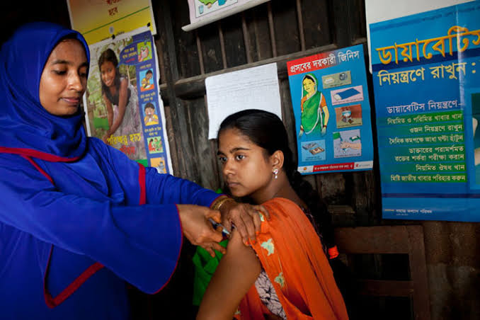बांग्लादेश की प्रधानमंत्री शेख हसीना ने कोविड-19 टीकाकरण कार्यक्रम का उद्घाटन किया